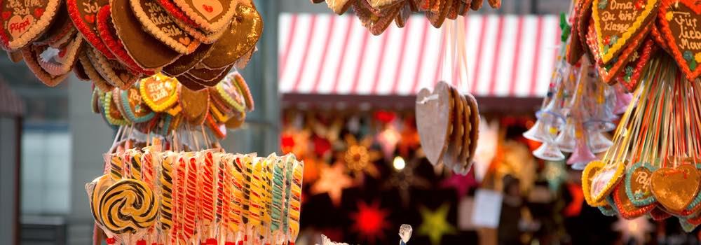Zoetigheden bij een kerstkraam